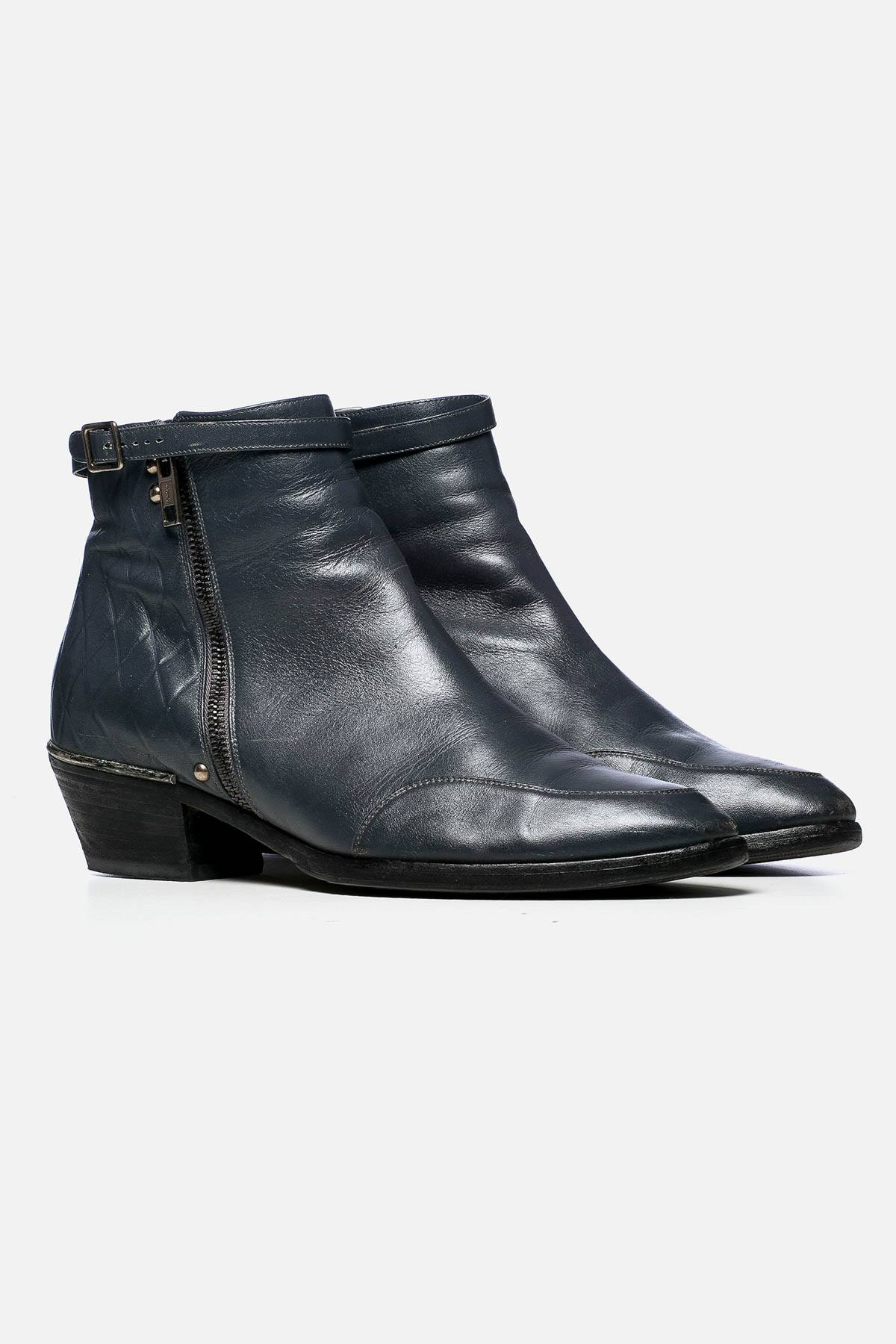 LEATHER PONTED-TOE ANKLE BOOTS