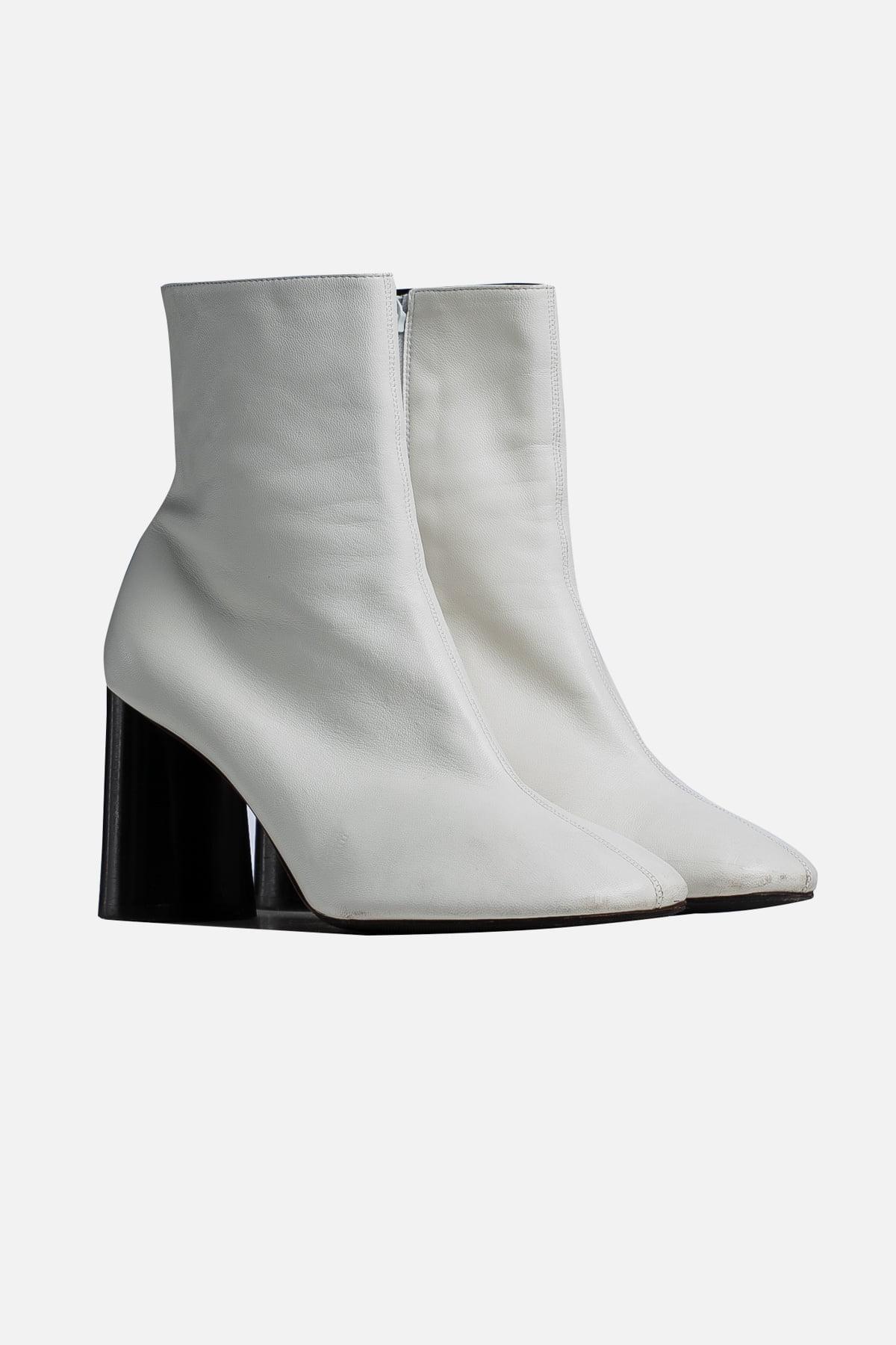 Elliptic Leather Boots