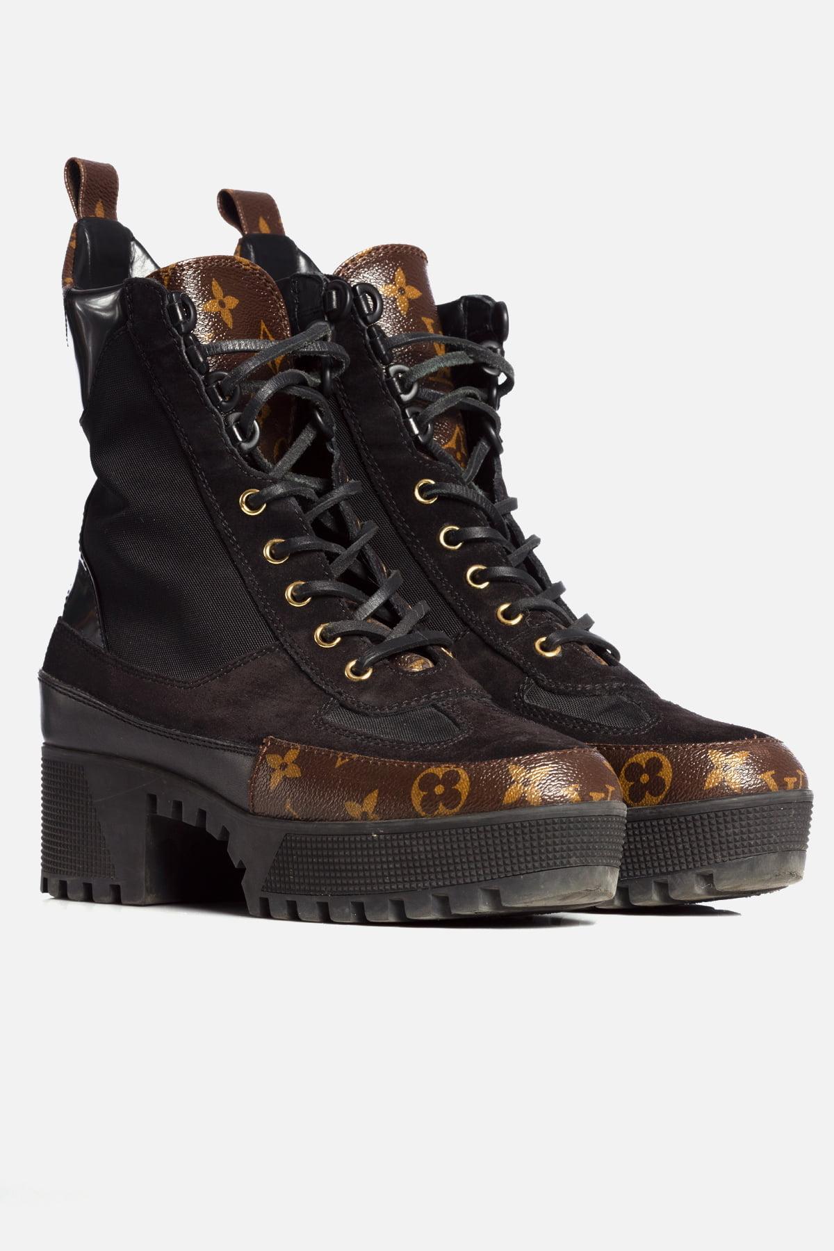 Laureate Desert Boots